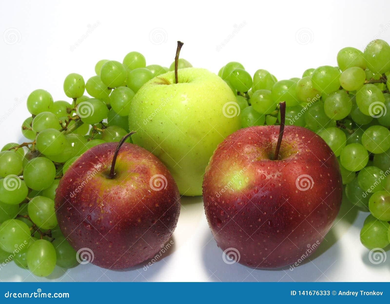Mele ed uva - bellezza e beneficio, gusto e salute, una fonte inesauribile di vitamine