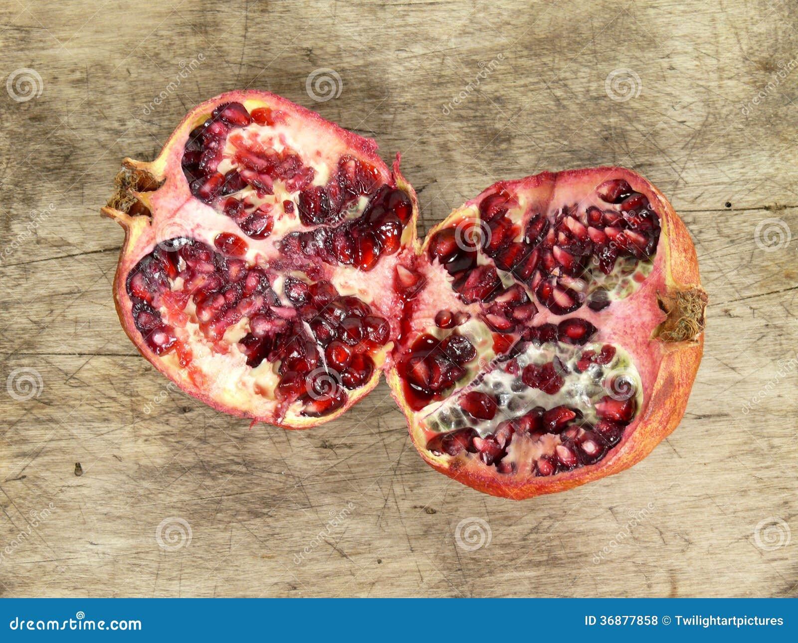 Download Melograno fotografia stock. Immagine di frutte, aperto - 36877858