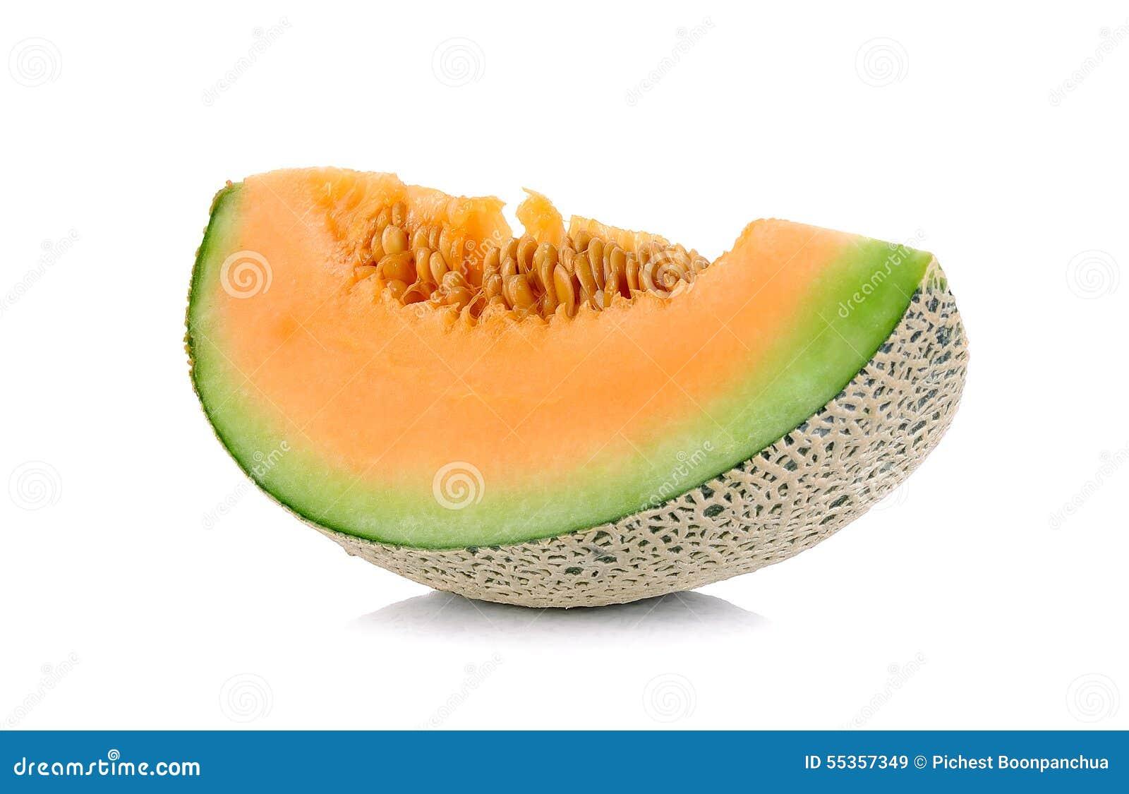 Melone delle fette isolato sui precedenti bianchi