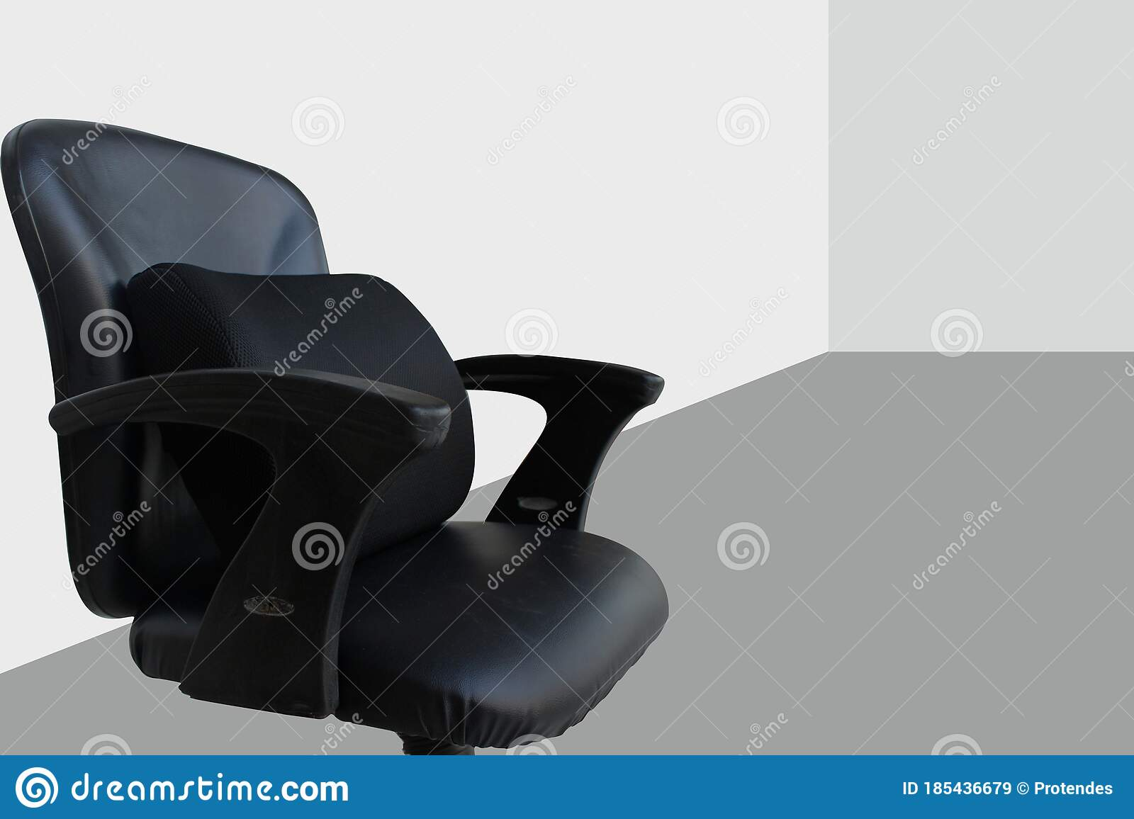 Picture of: Memory Foam Lumbar Support Cushion In Black Office Chair Stock Image Image Of Coccyxcushion Home 185436679