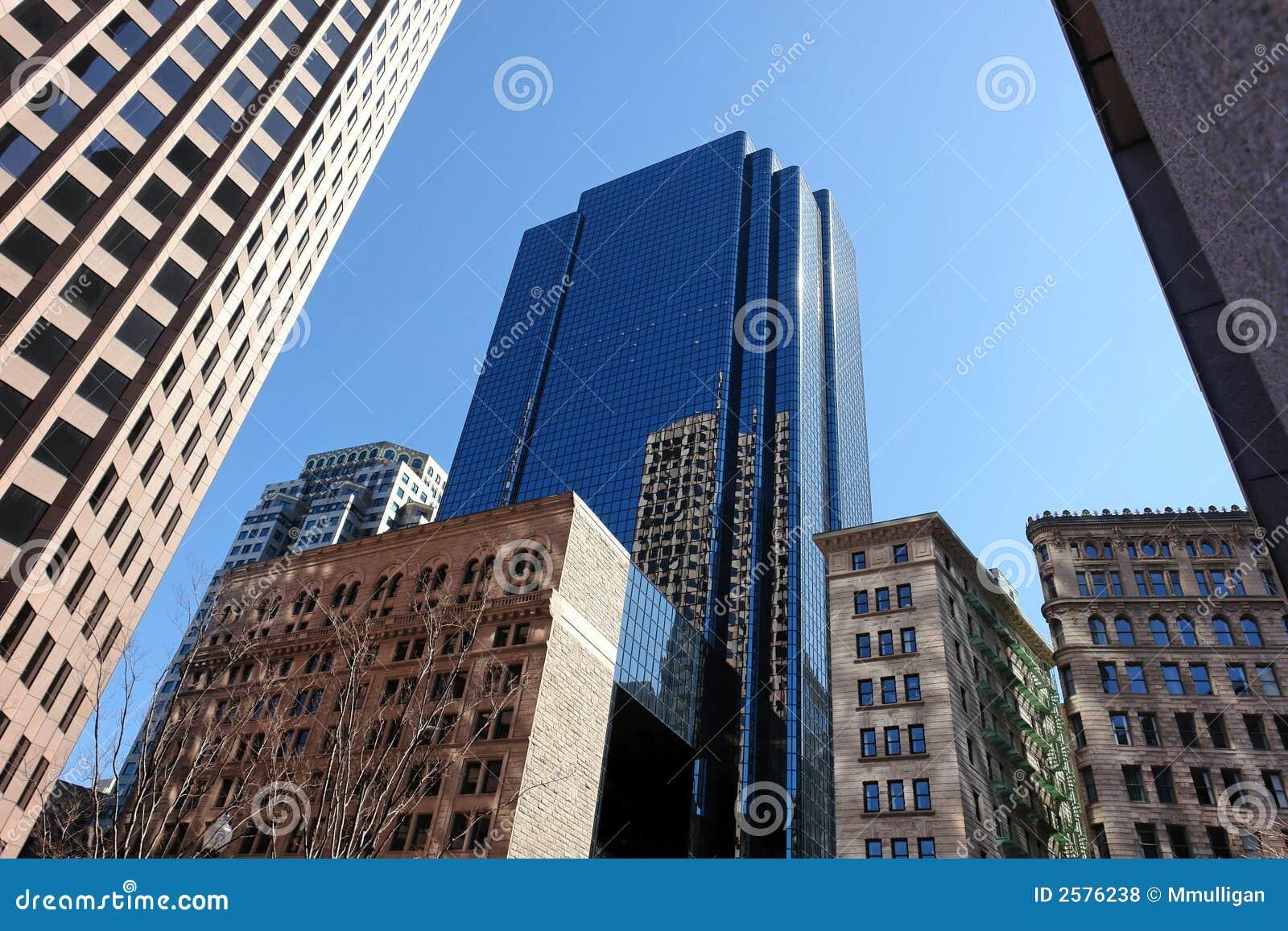 Mengeling van oude en nieuwe gebouwen