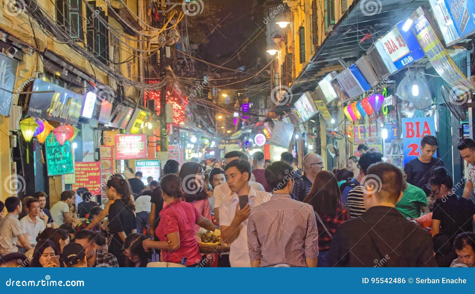 Mengen- und Bia Hoi-Restaurants in alter Stadt Hanois