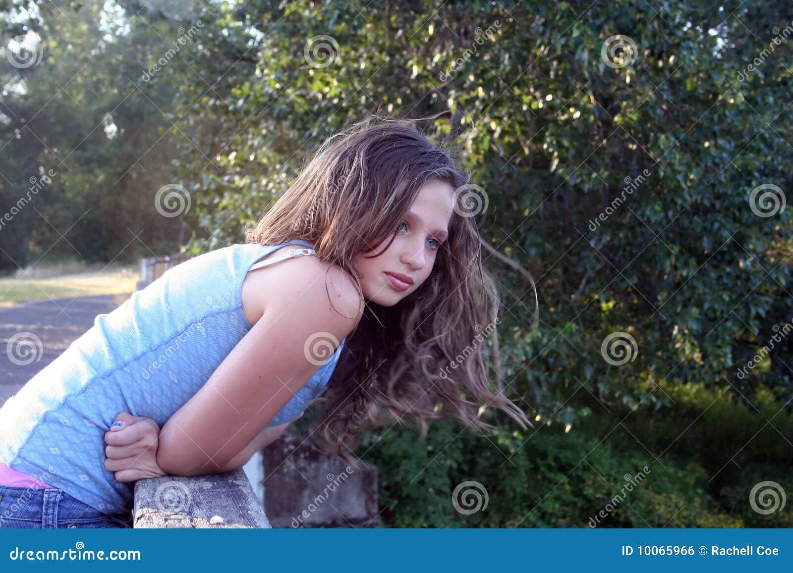 Menina adolescente bonita