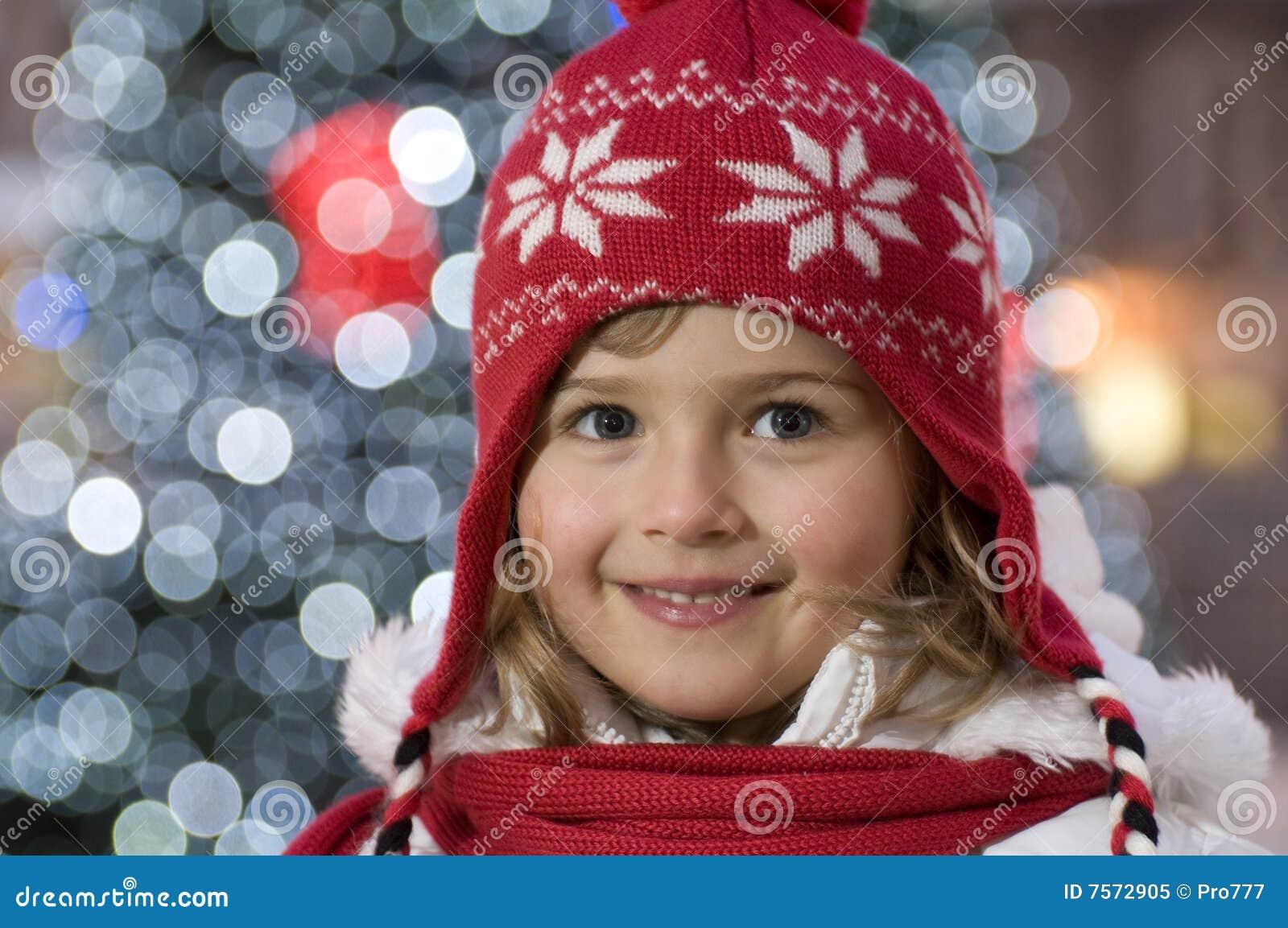Menina bonito no Natal