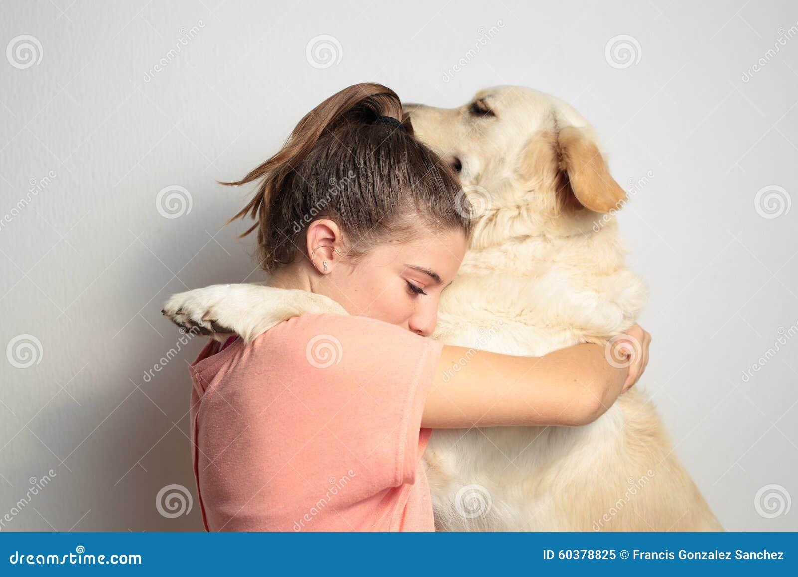 Menina com seu cão