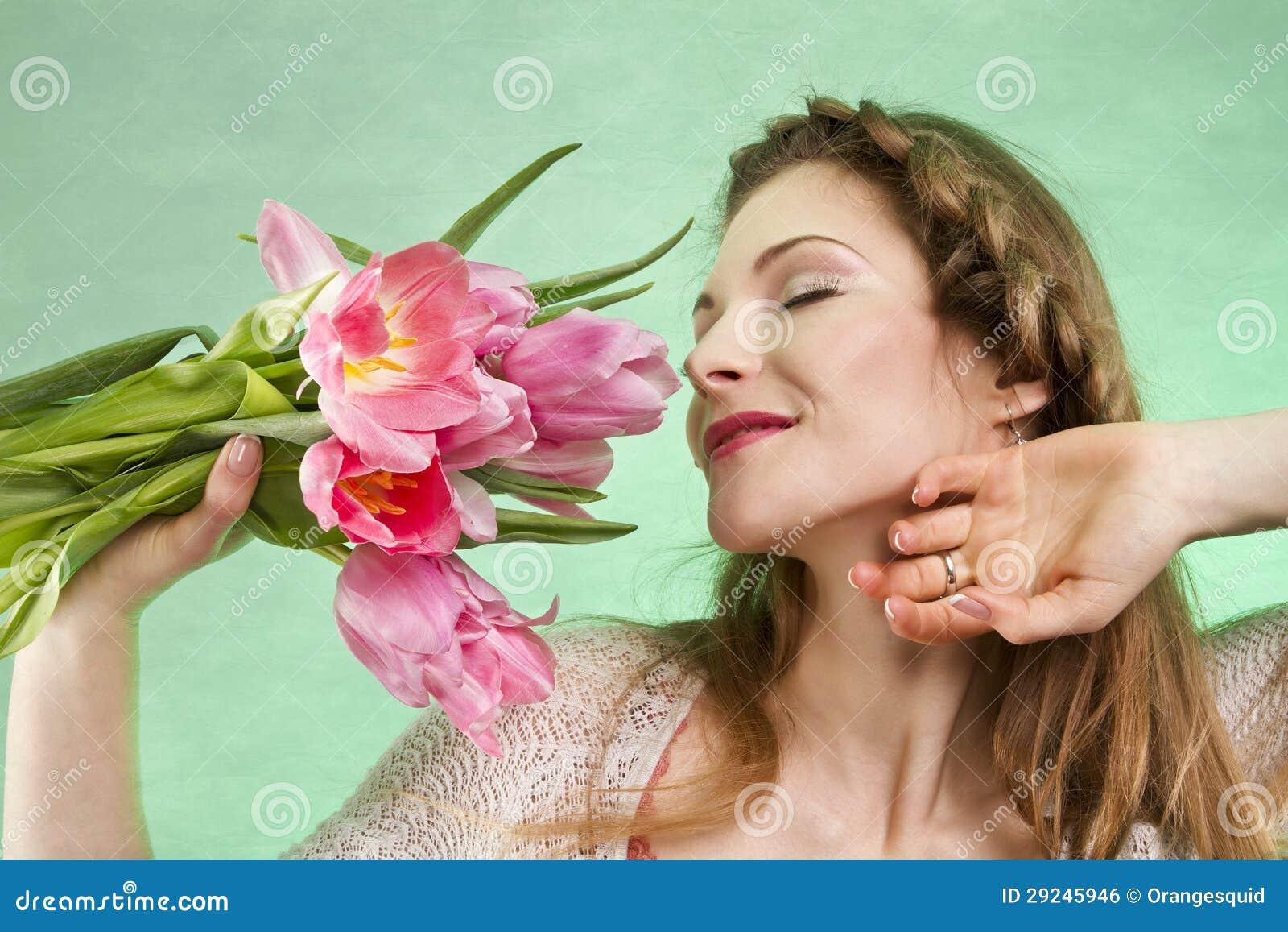 Download Menina com tulipas foto de stock. Imagem de presente - 29245946