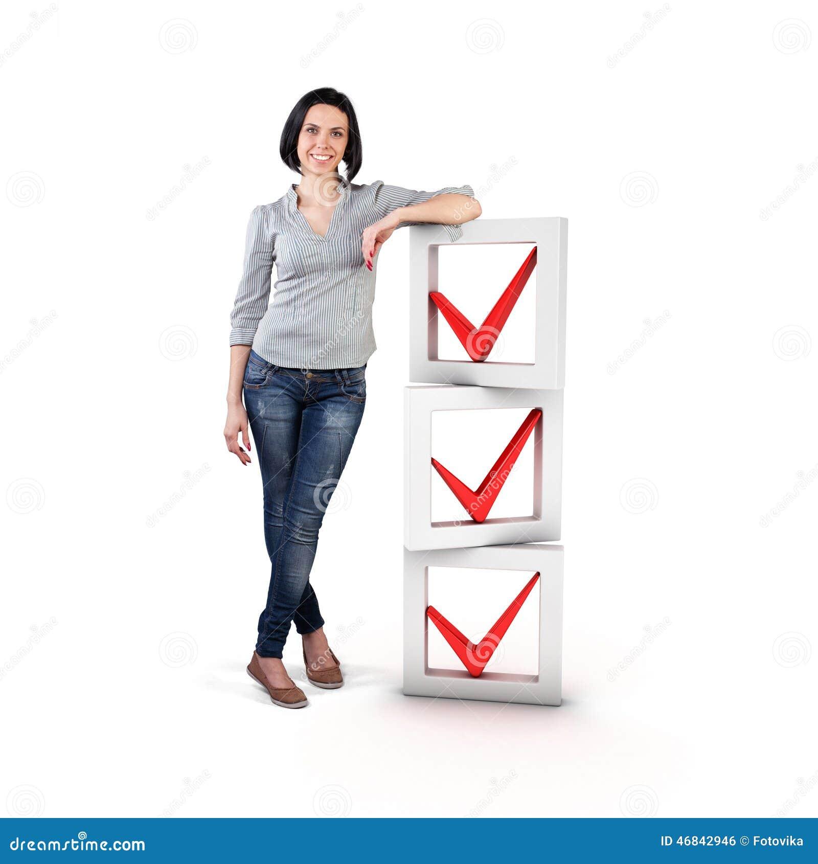 Menina com uma lista de verificação
