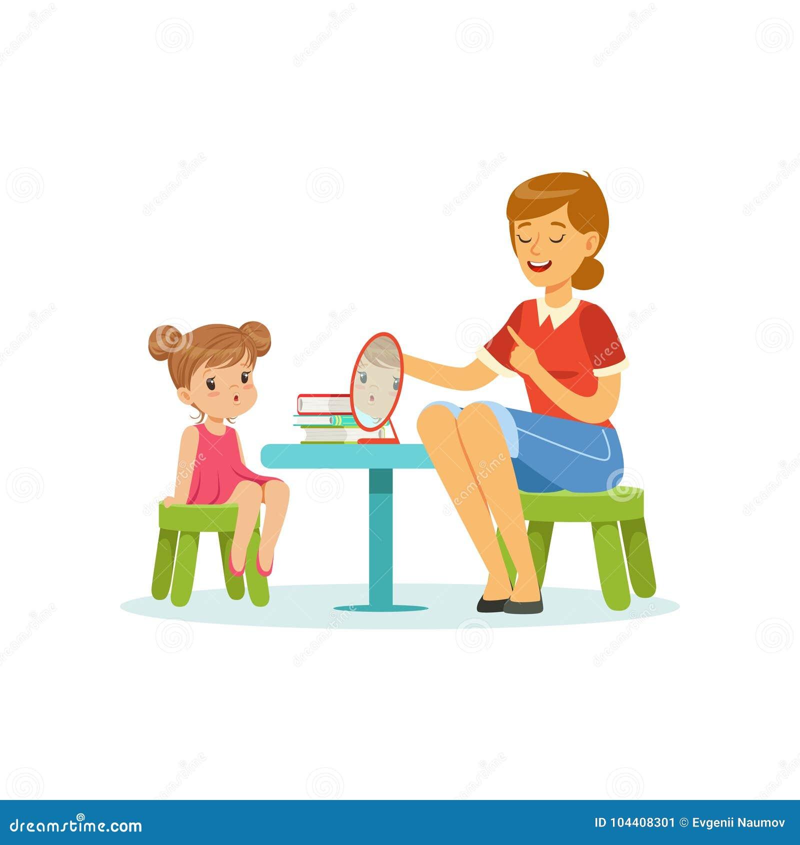 Menina de ensino do discurso e do especialista da língua pronunciação correta das letras Desenvolvimento sadio de discurso da cri