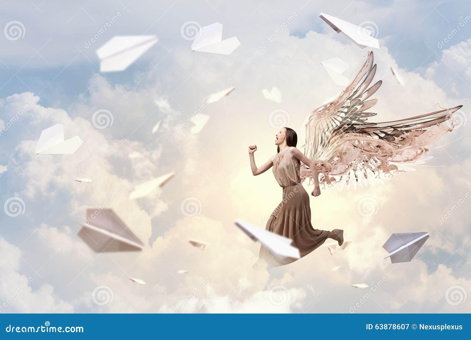 Menina do anjo no vestido