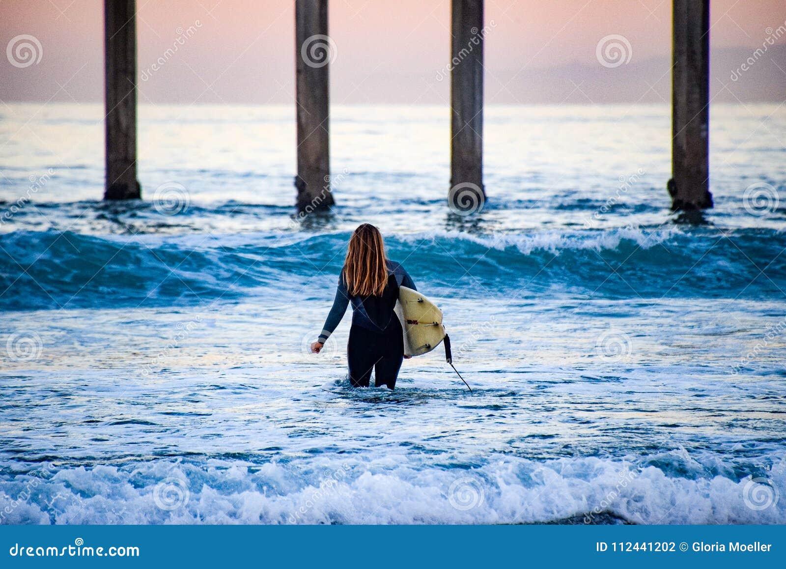 Menina do surfista
