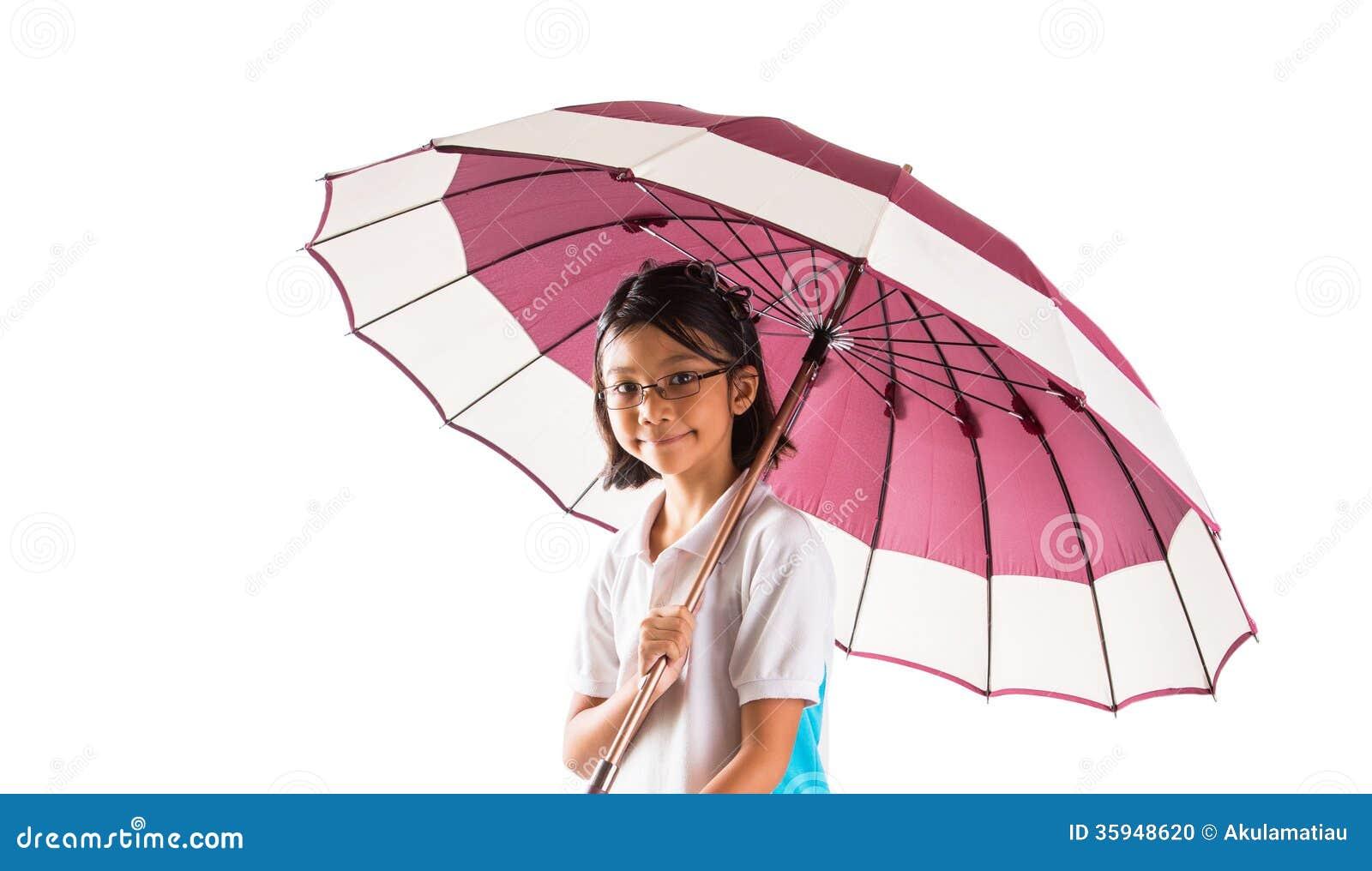Menina e guarda-chuva mim