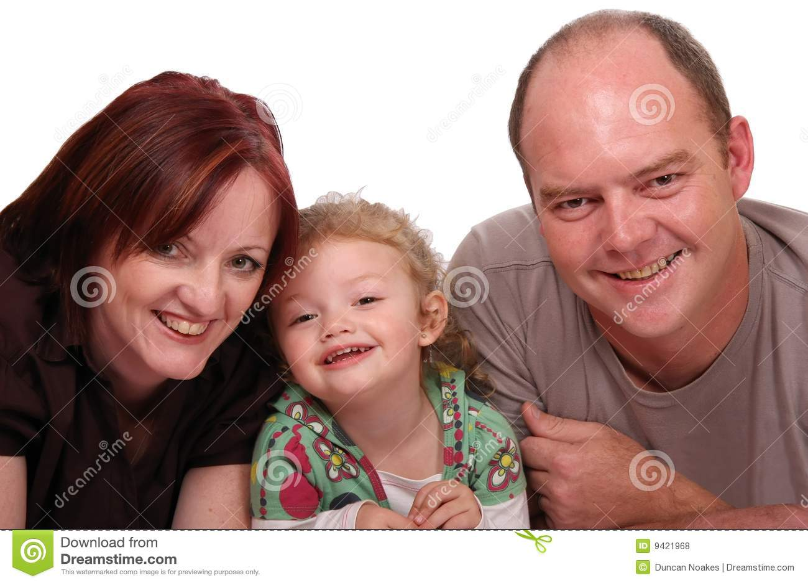 Menina e pais bonitos