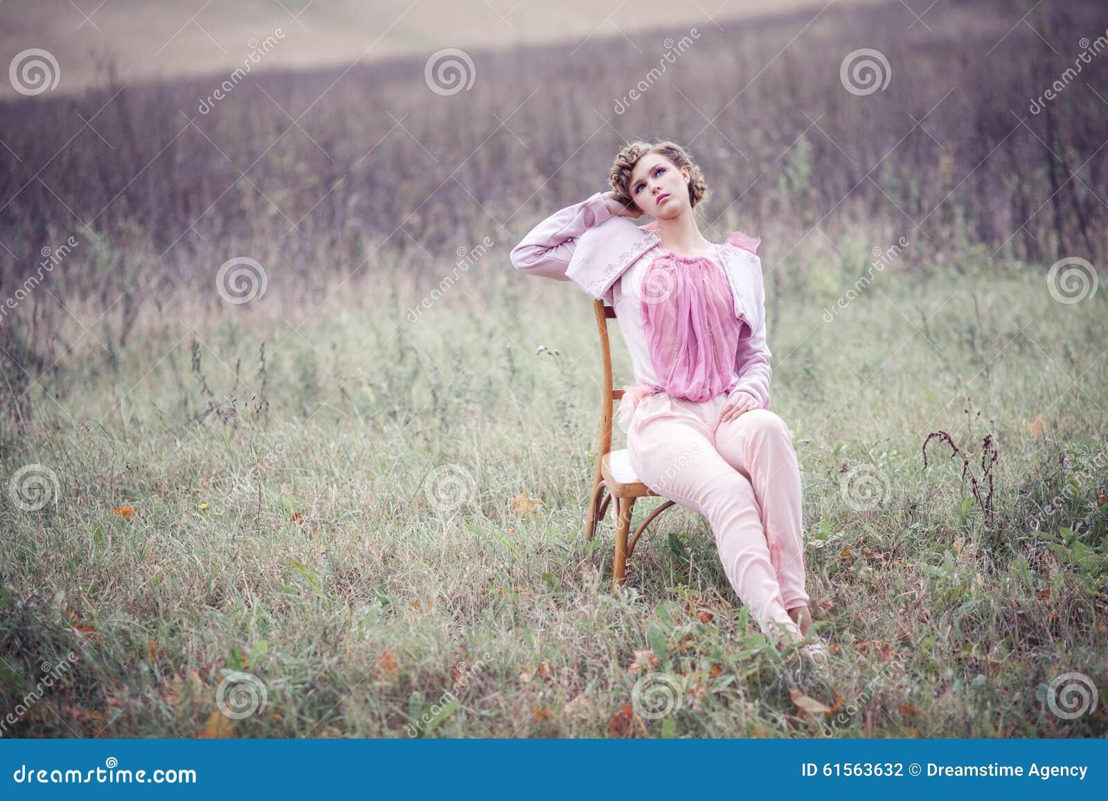 Menina em um campo
