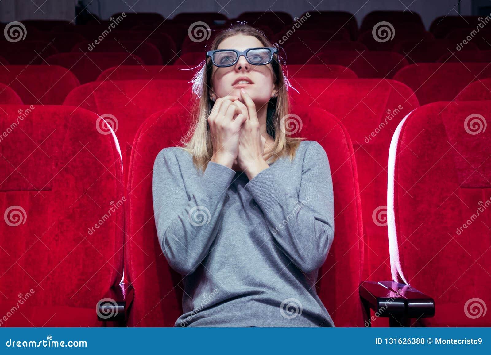 A menina europian branca nova, uma veio à seleção do filme no cinema,