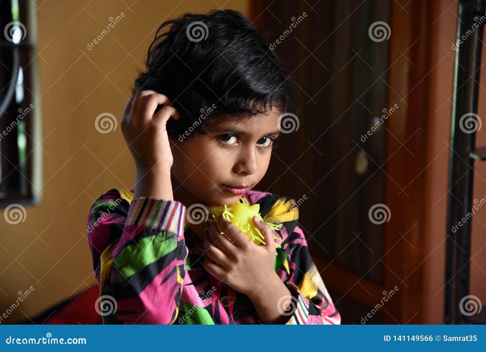 Menina indiana pequena