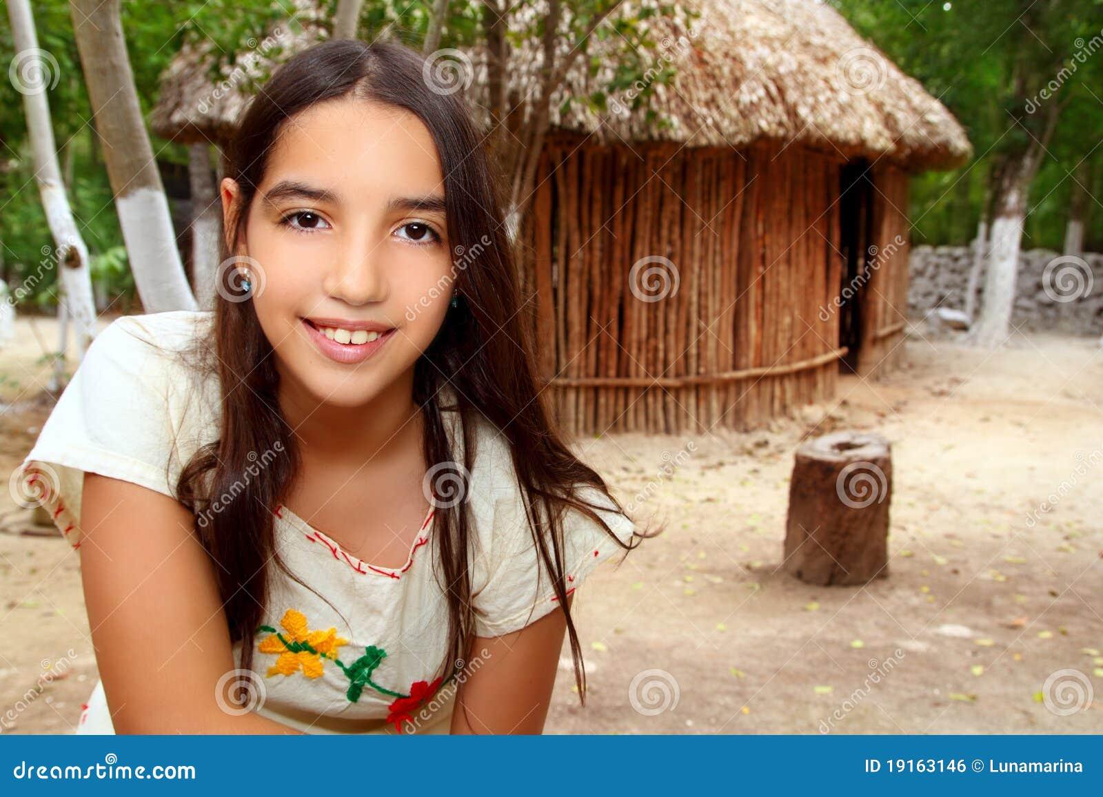 55930634a463a Menina Latin Maia Indiana Mexicana Na Selva Foto de Stock - Imagem ...