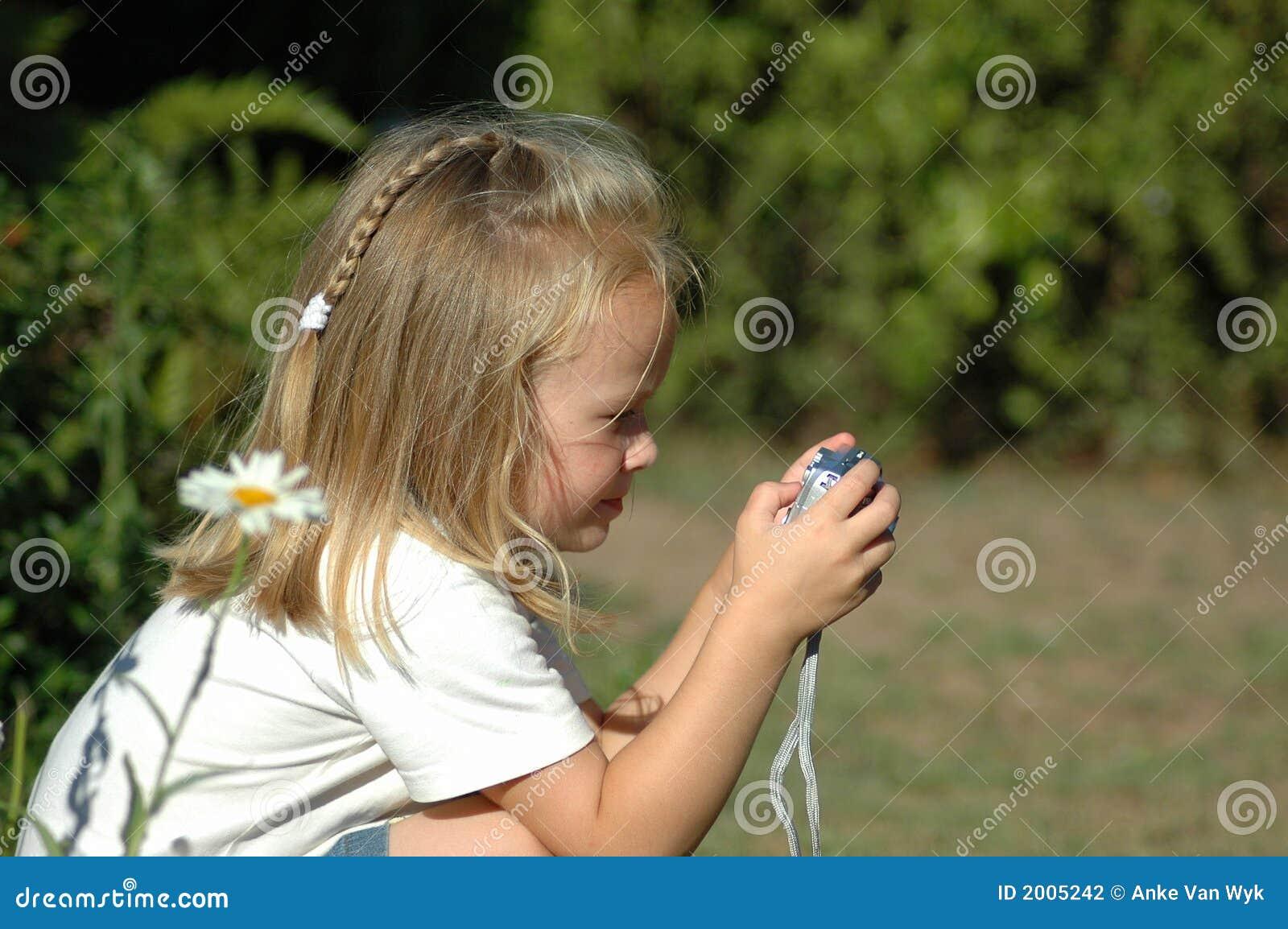 Menina pequena do fotógrafo