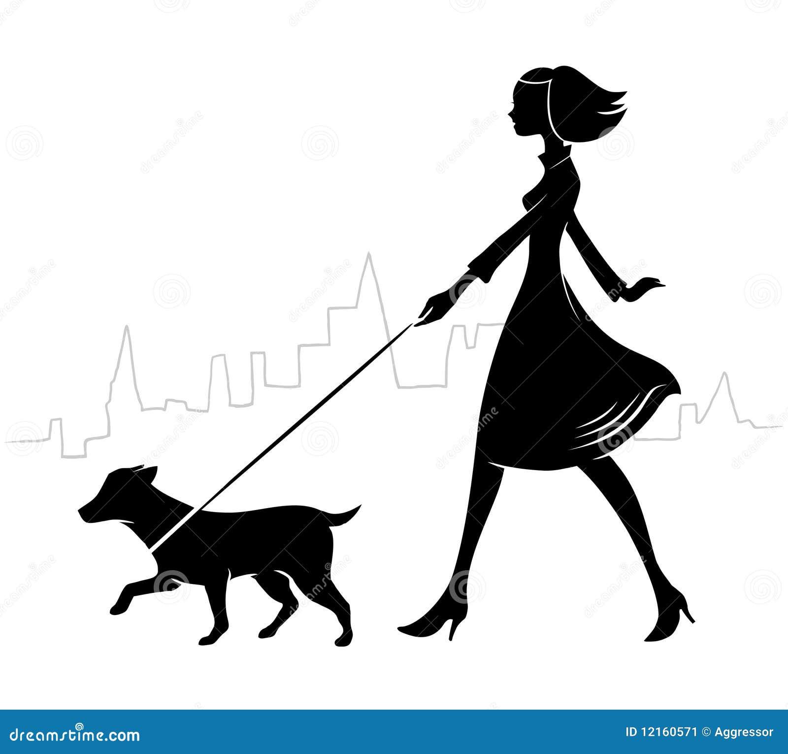 Menina que anda um cão