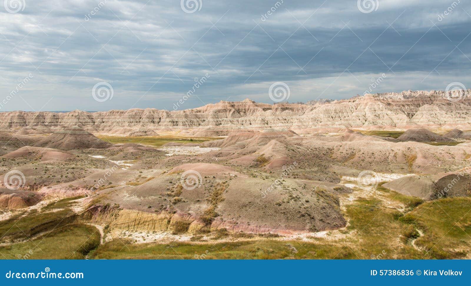 Mening aan kleurrijke zandduinen van Badlands, de V.S.