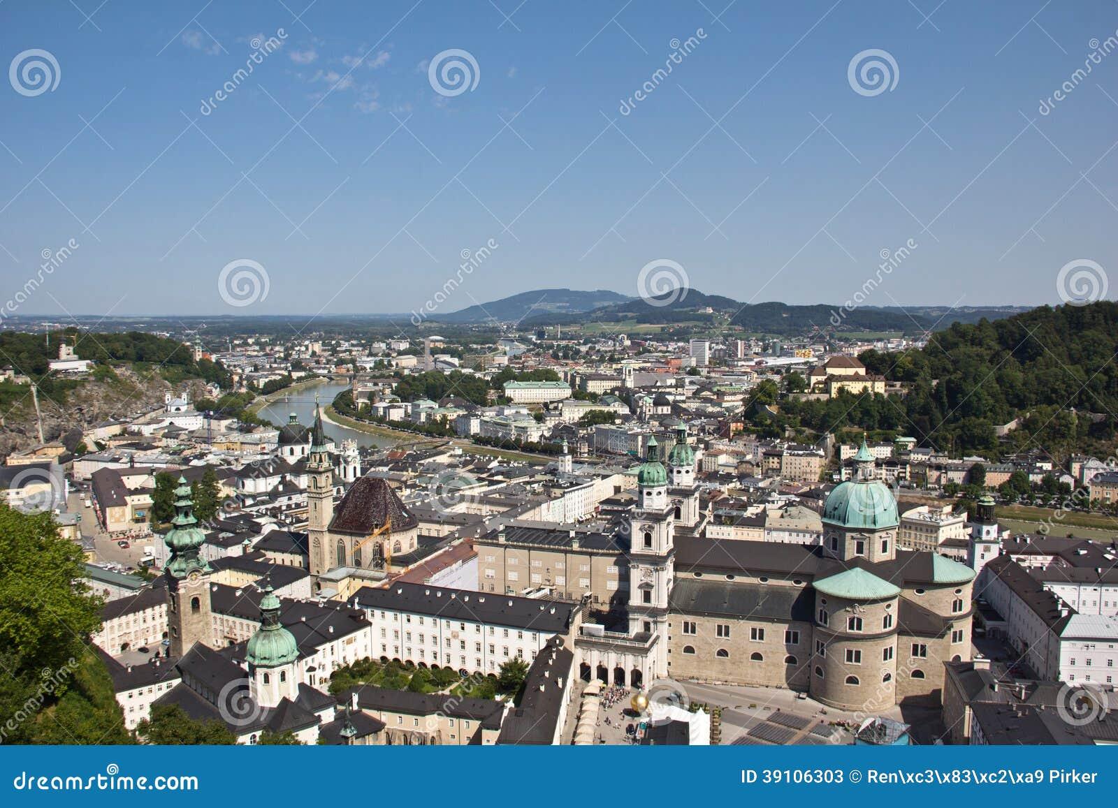 Mening over de Oude Stad van Salzburg van Vesting