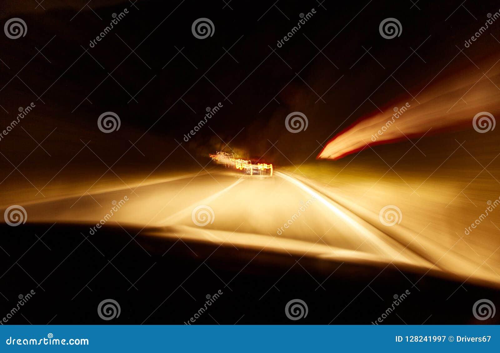 Mening van de passagierszetel van de auto op een lange blootstelling