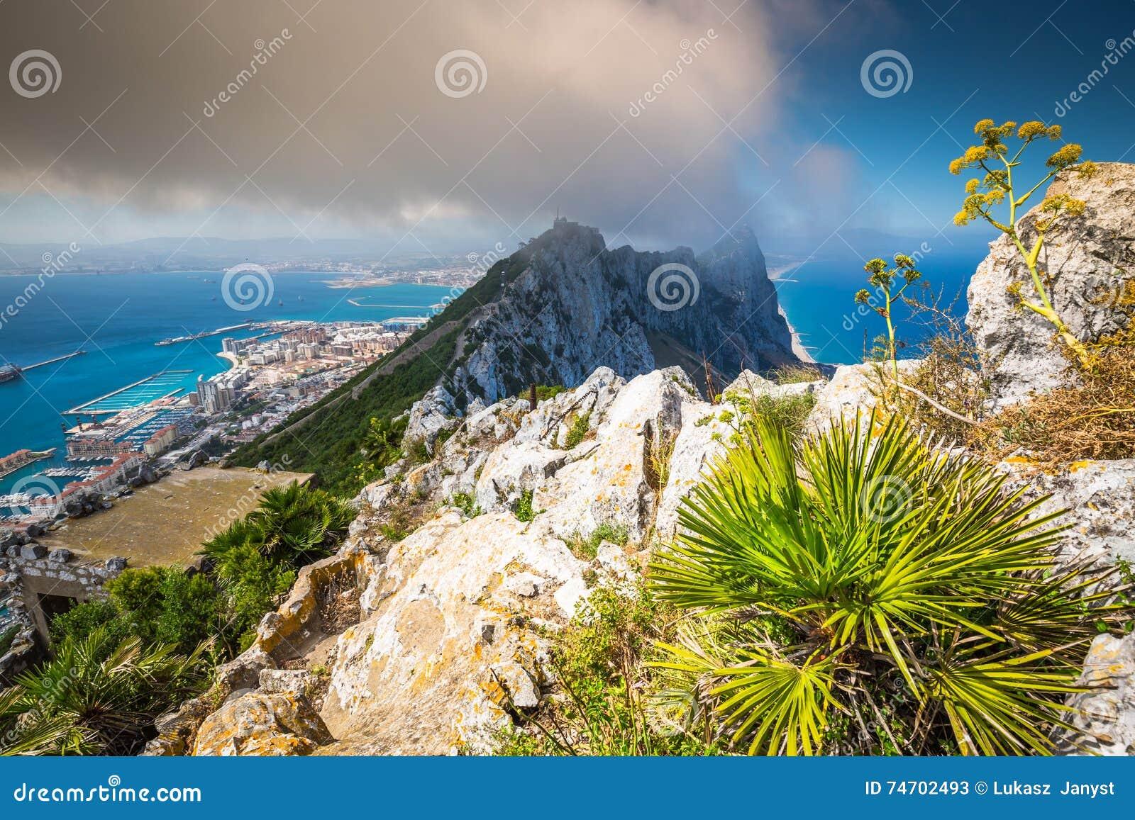 Mening van de rots van Gibraltar van de Hogere Rots