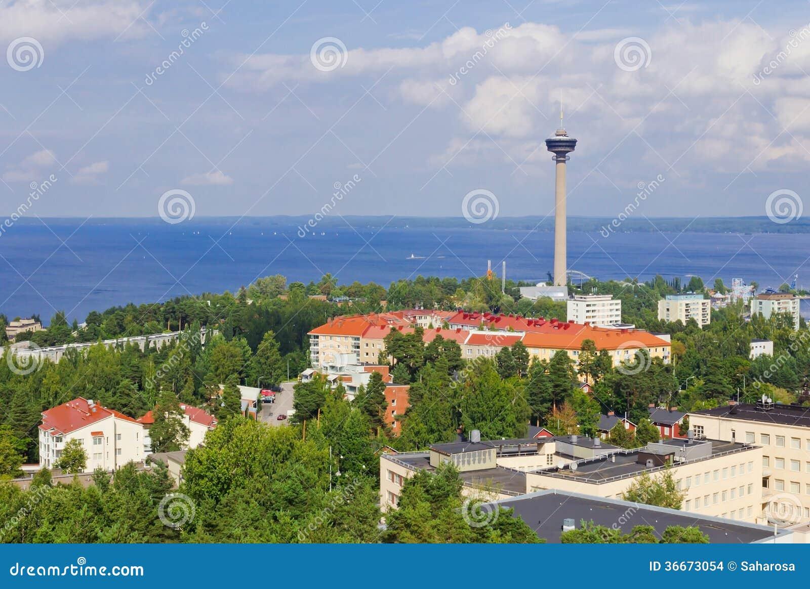 Mening van de stad van een hoogte