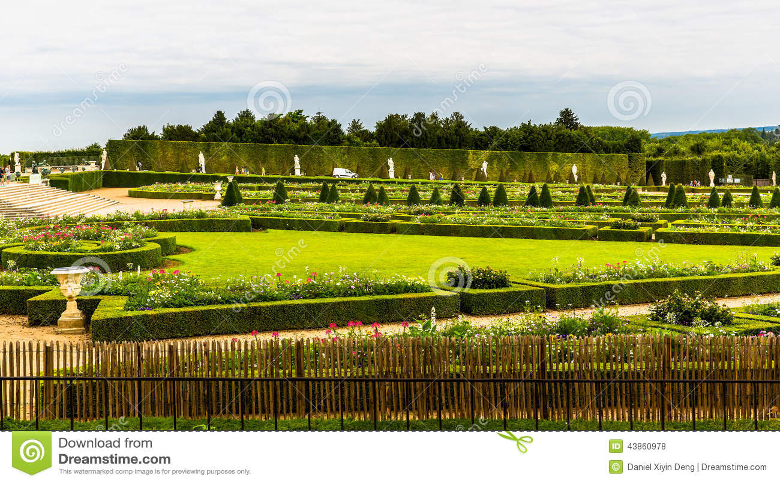 Paleis Van Versailles Tuin.Mening Van De Tuin Bij Het Paleis Van Versailles Stock Foto