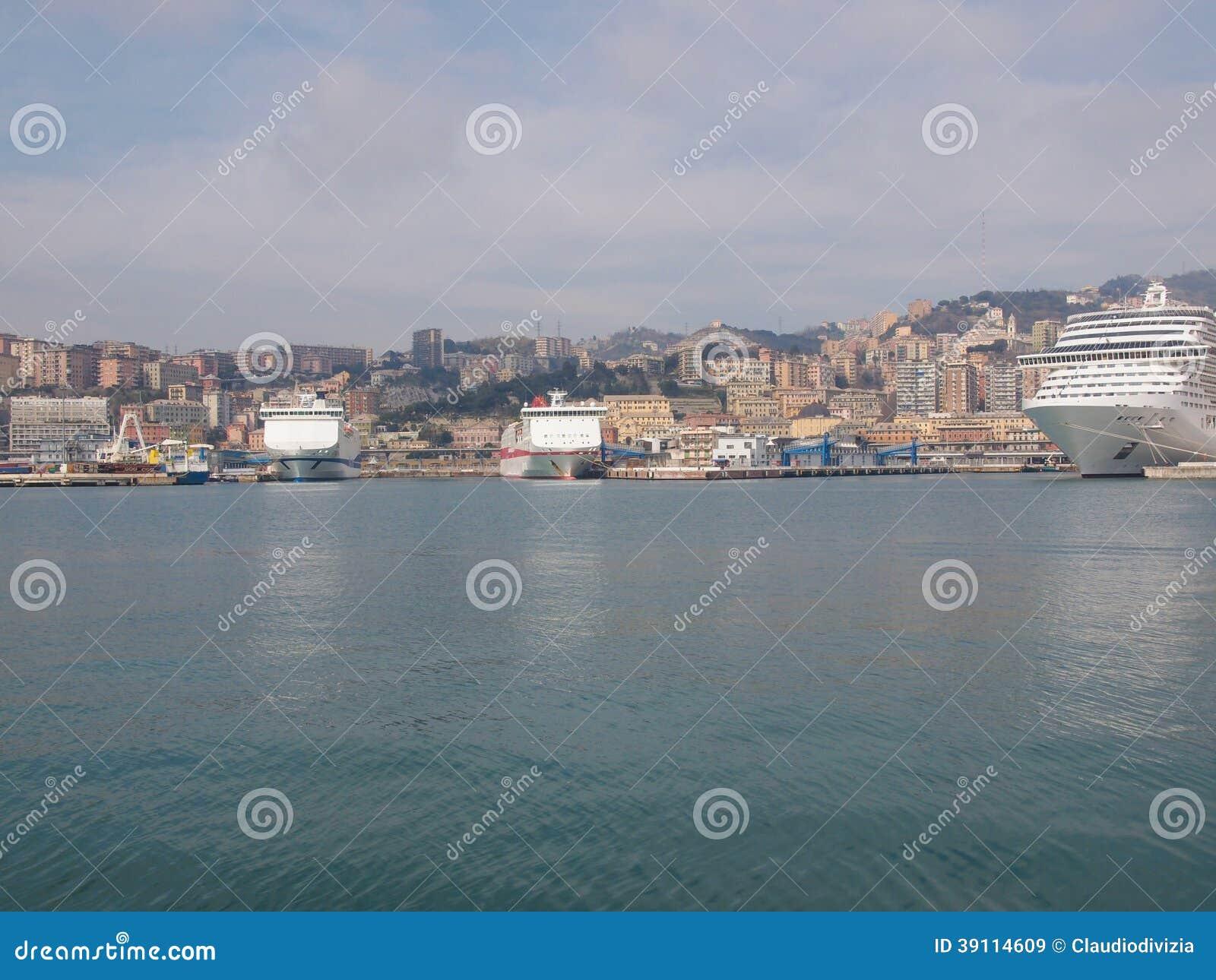 Mening van Genoa Italy van het overzees