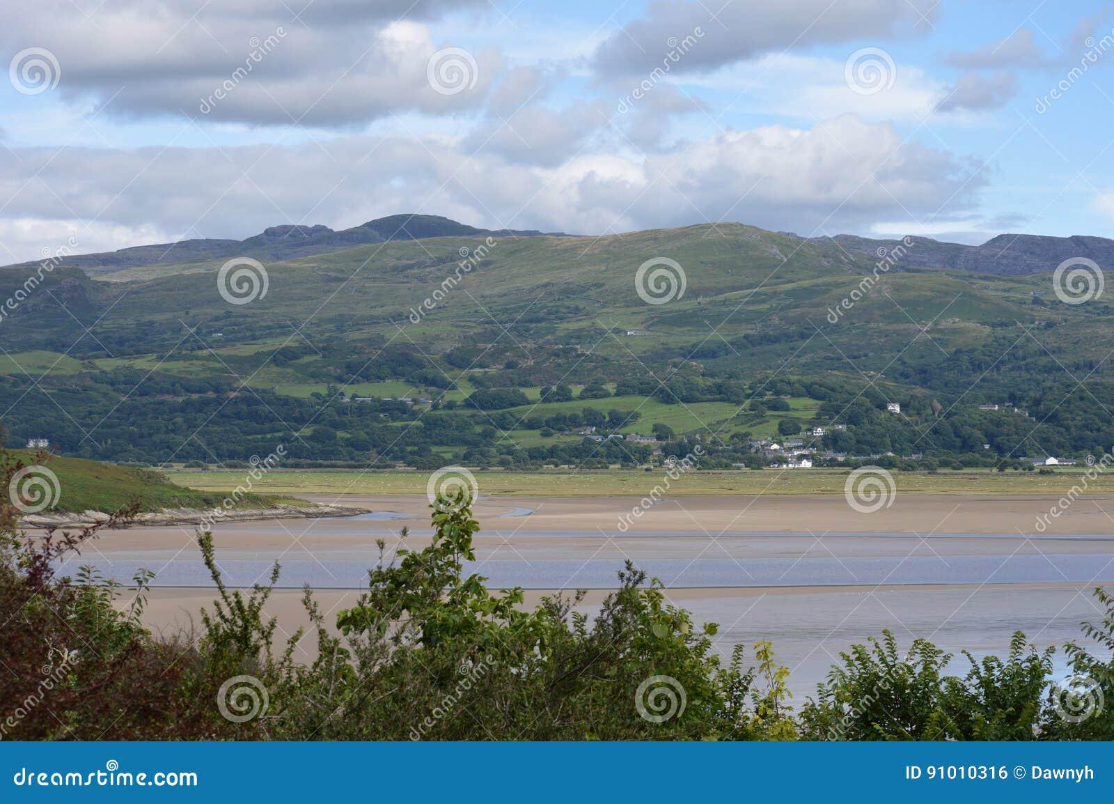 Mening van heuvels en bergen in Wales, het UK