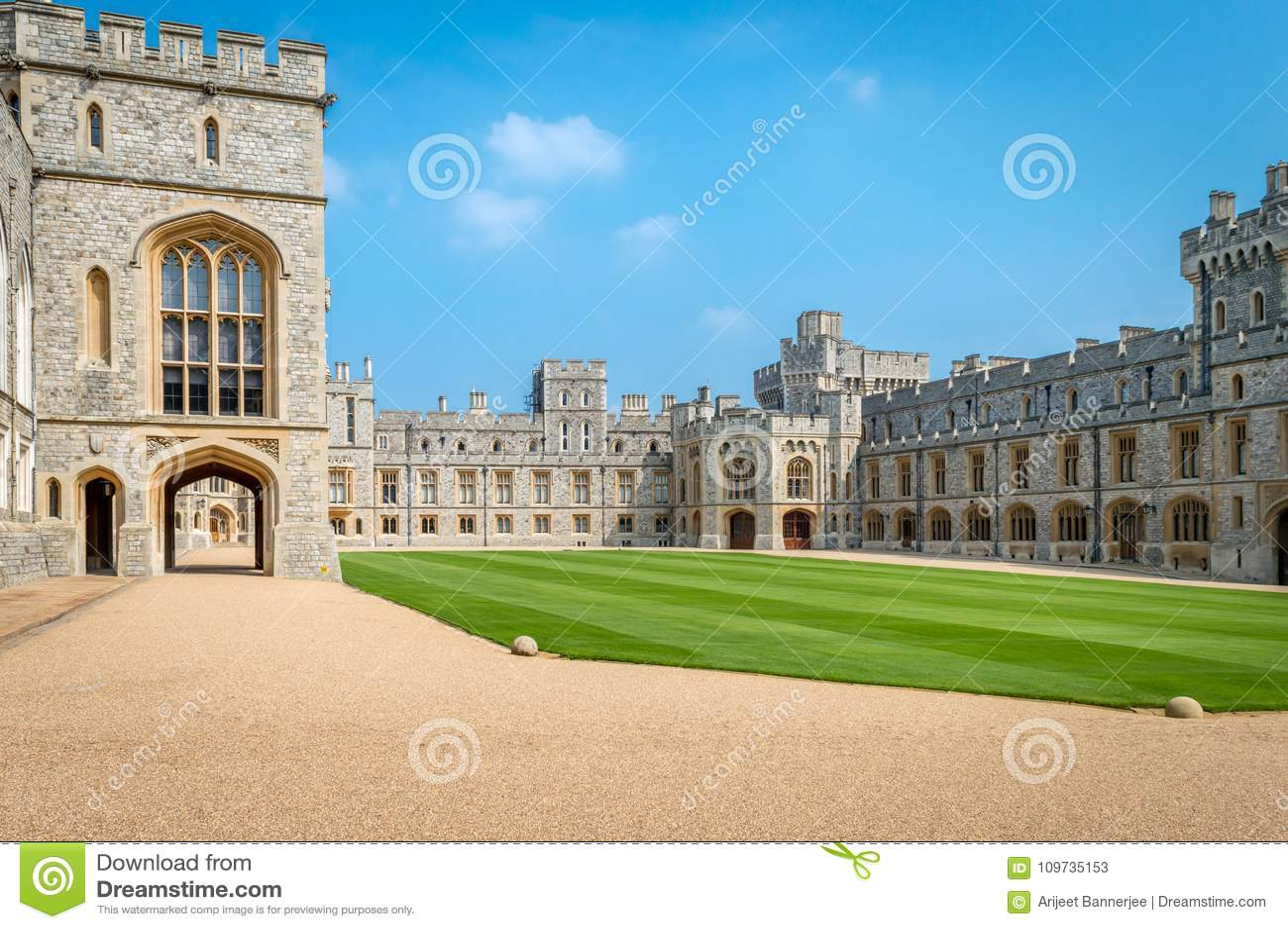 Mening van Hoger Ward Quadrangle in Middeleeuwse Windsor Castle