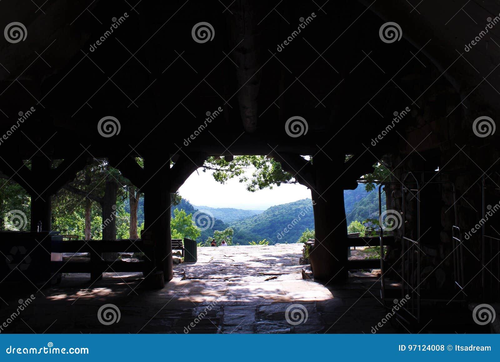 Mening van Mather Lodge in Petit Jean State Park