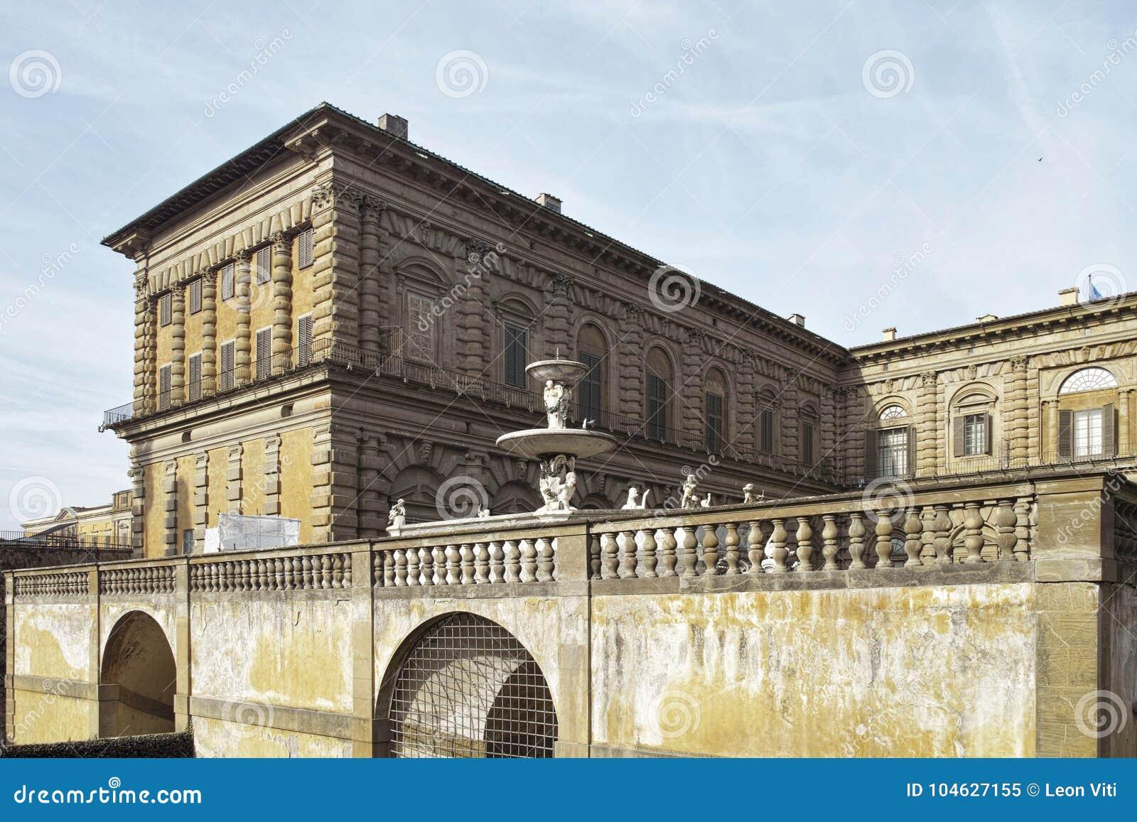 Download Mening van palazzopitti stock afbeelding. Afbeelding bestaande uit toscanië - 104627155