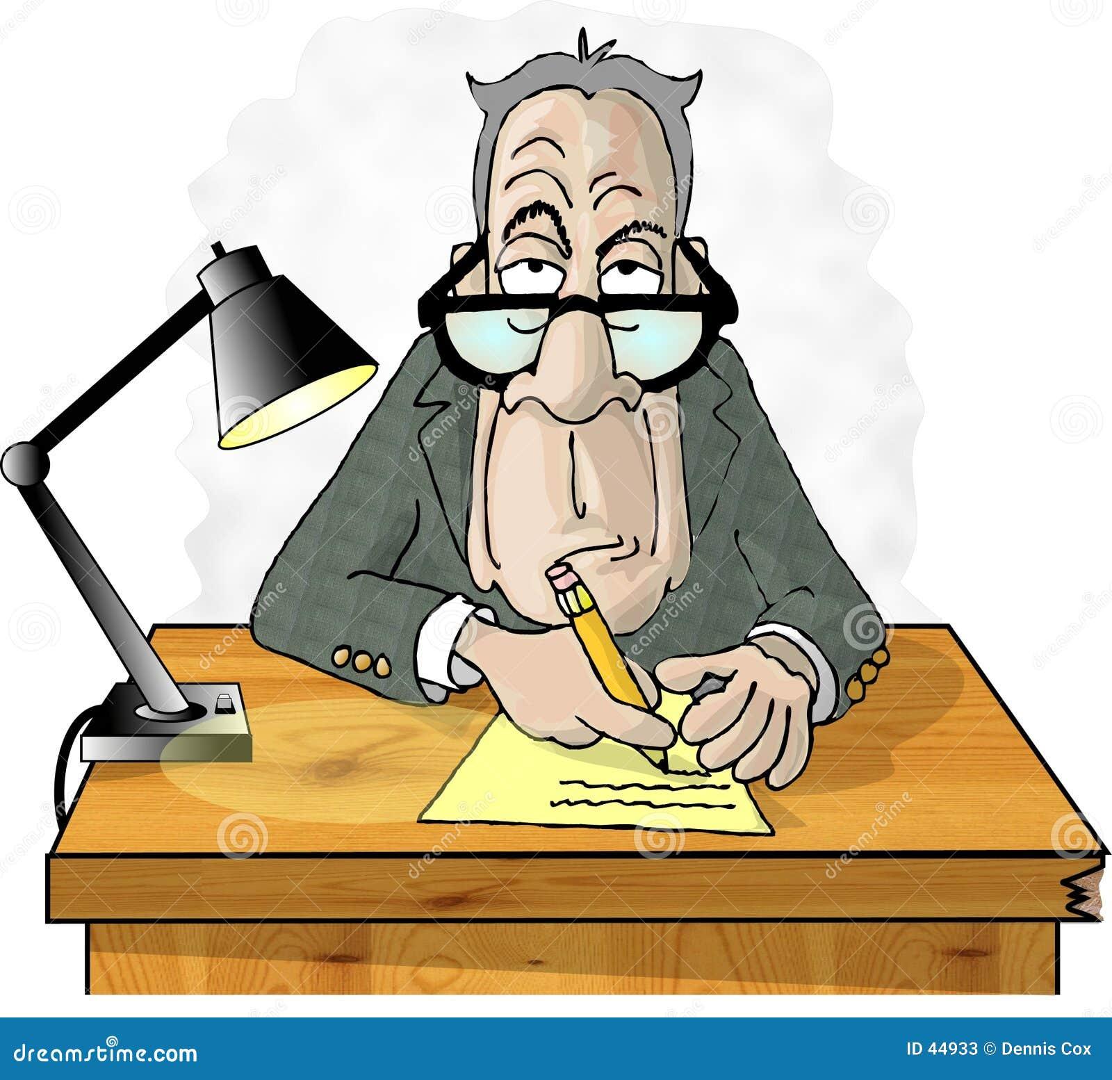 Mens bij zijn bureau