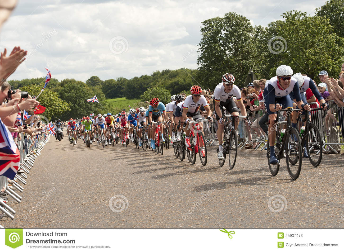 f7c2ad5bd64 London/ UK-JULY 28, 2012; Winner of THE TOUR DE FRANCEBradley Wiggens leads  the Peleton through Richmond Park in the mens Olympic cycling event,London  July ...