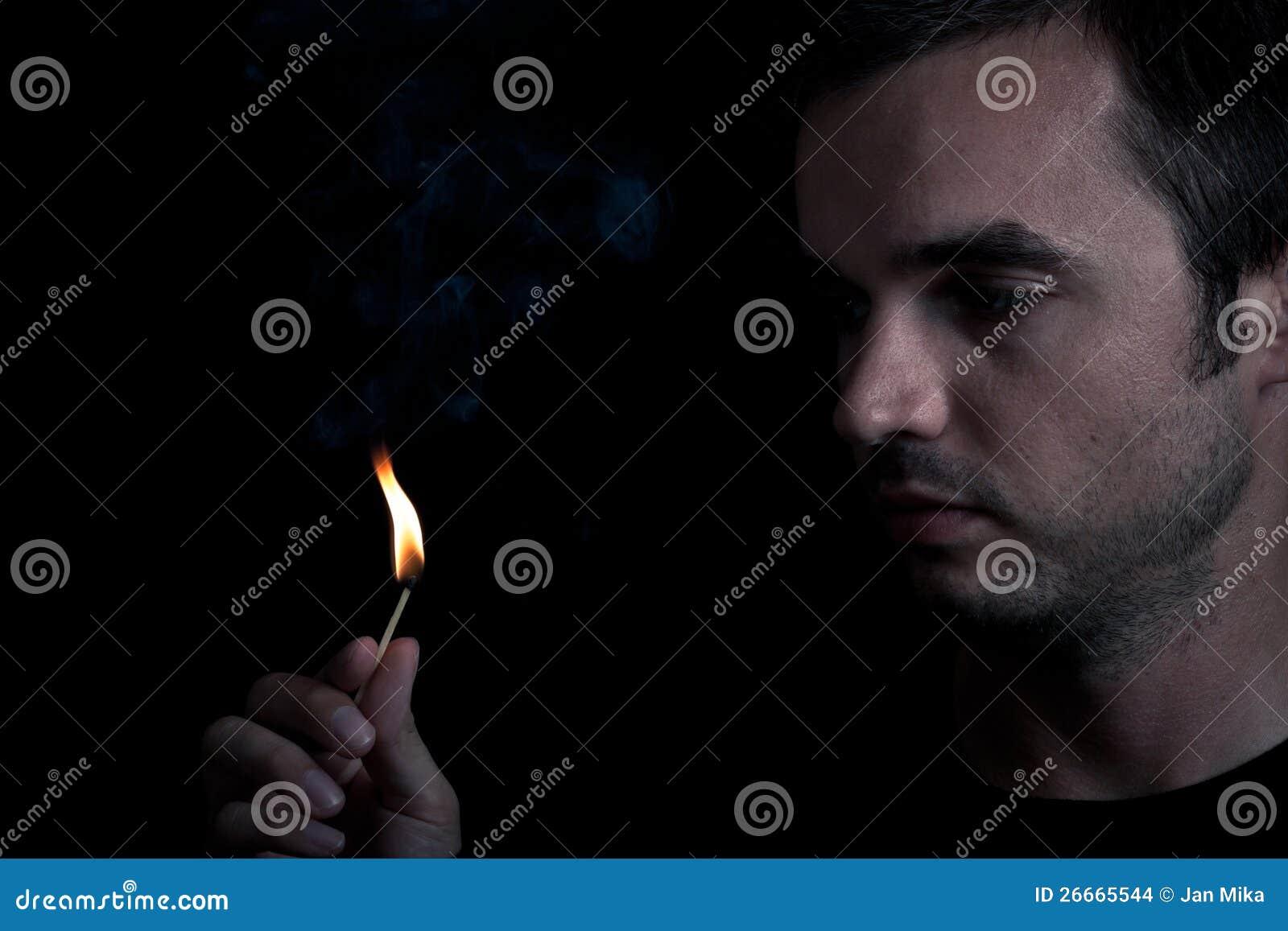 Mens en brand