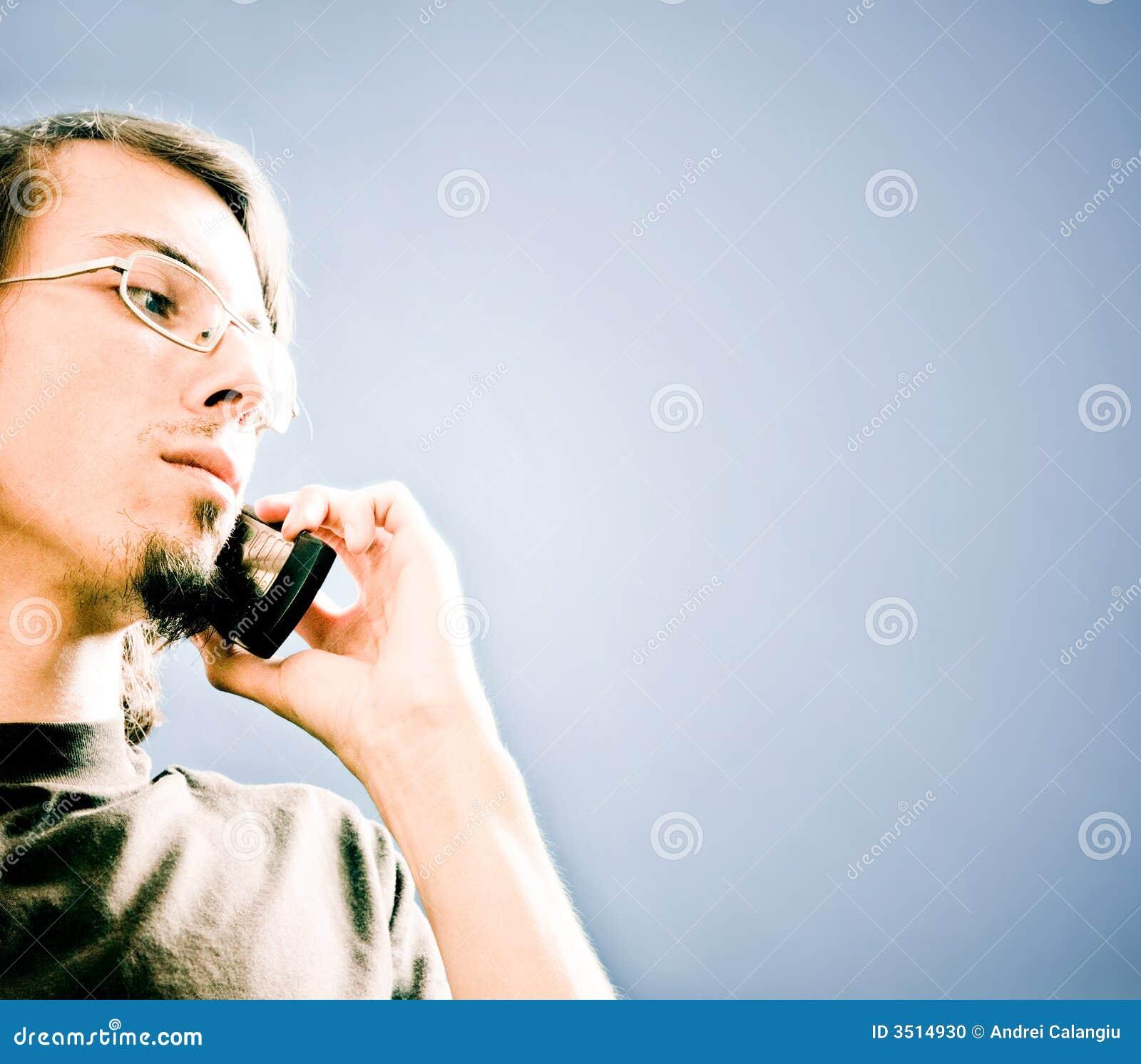 Mens met telefoon