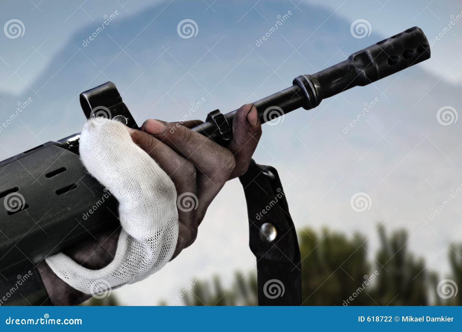Mens met wapen