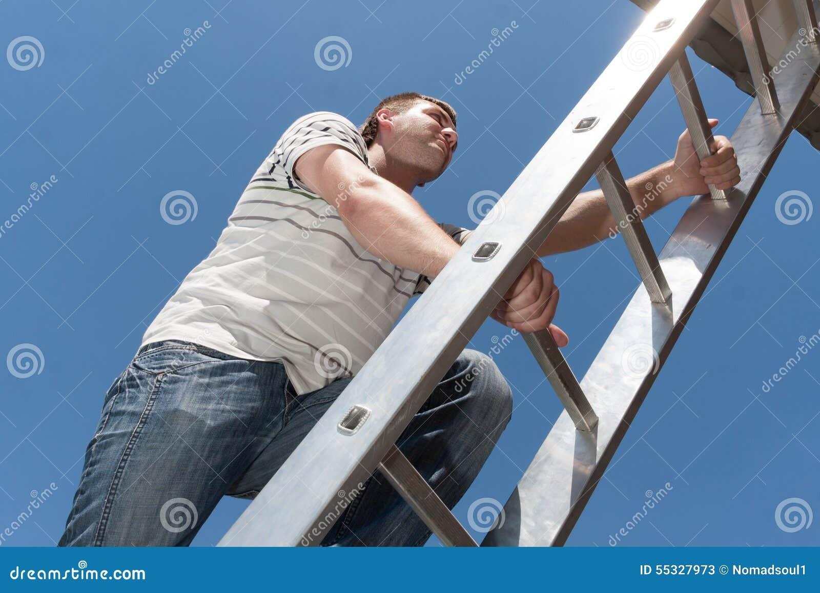Mens op de ladder