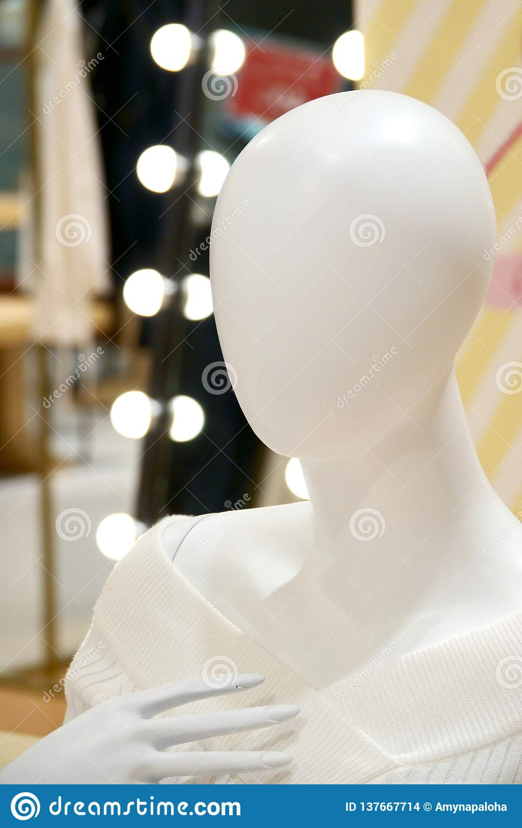 Menschliche weibliche Mannequinporträtphotographie
