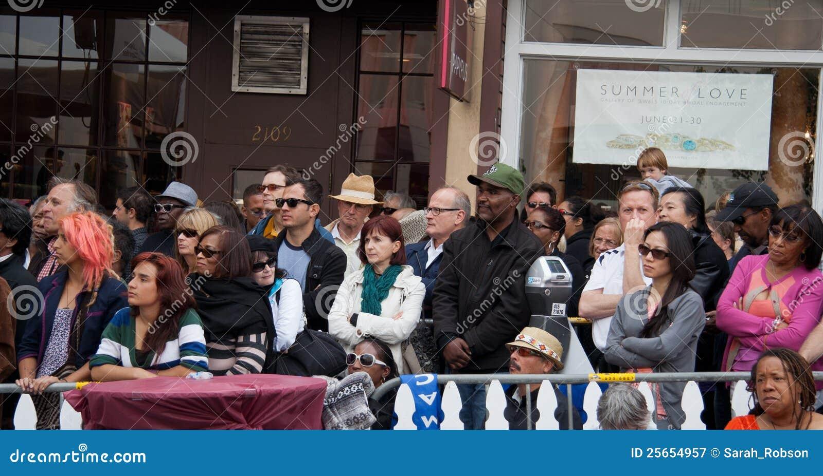 Mensen bij het Festival van de Jazz Fillmore in San Francisco
