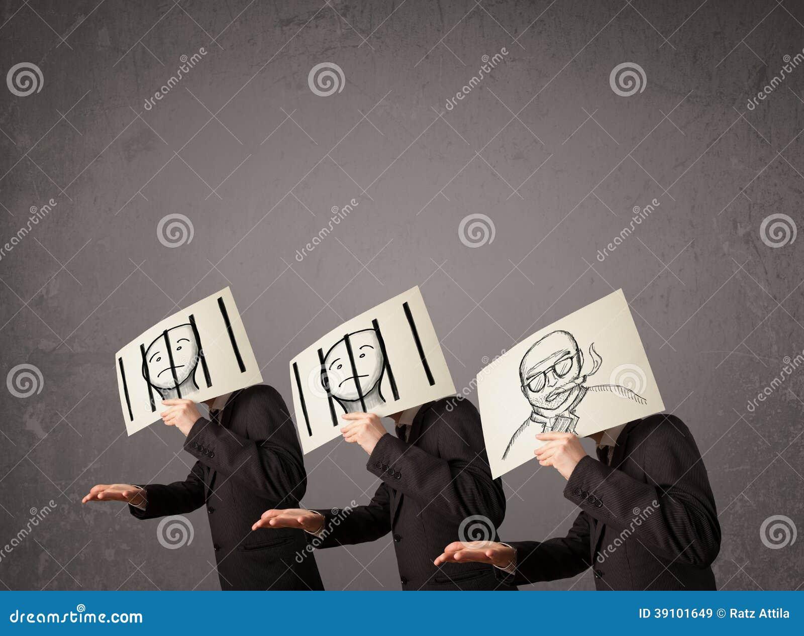 Mensen in het formele gesturing met karton