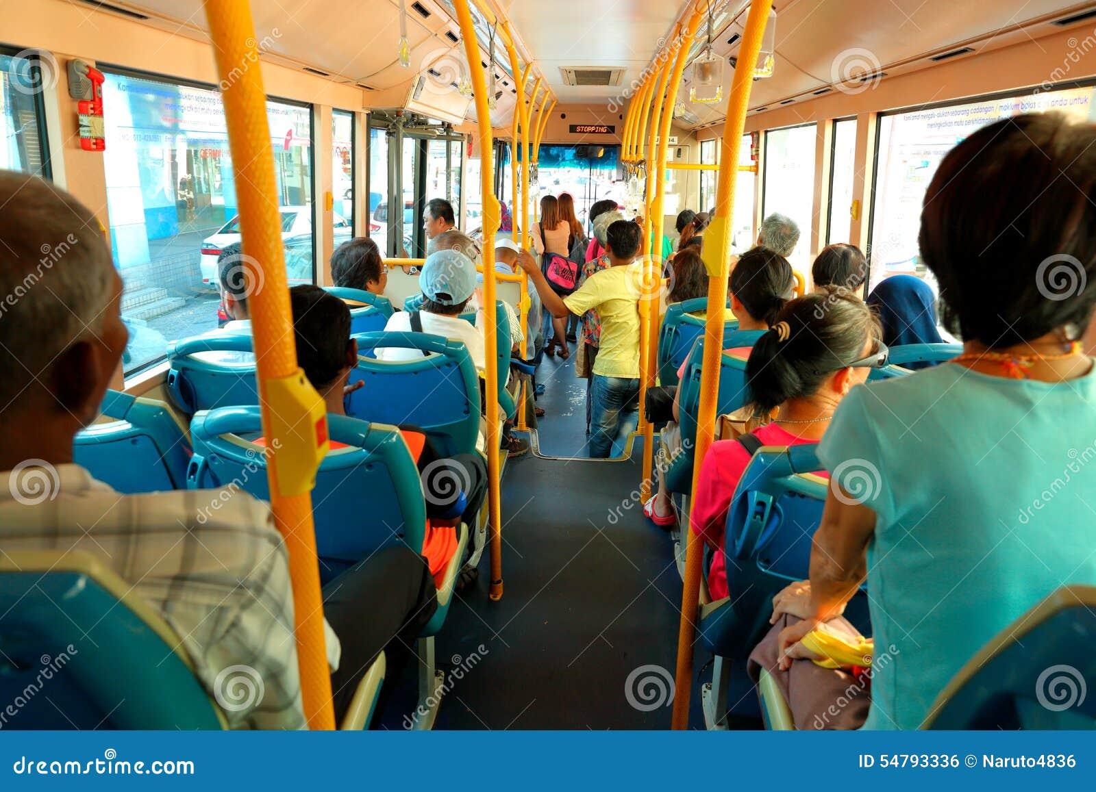 Mensen op bus