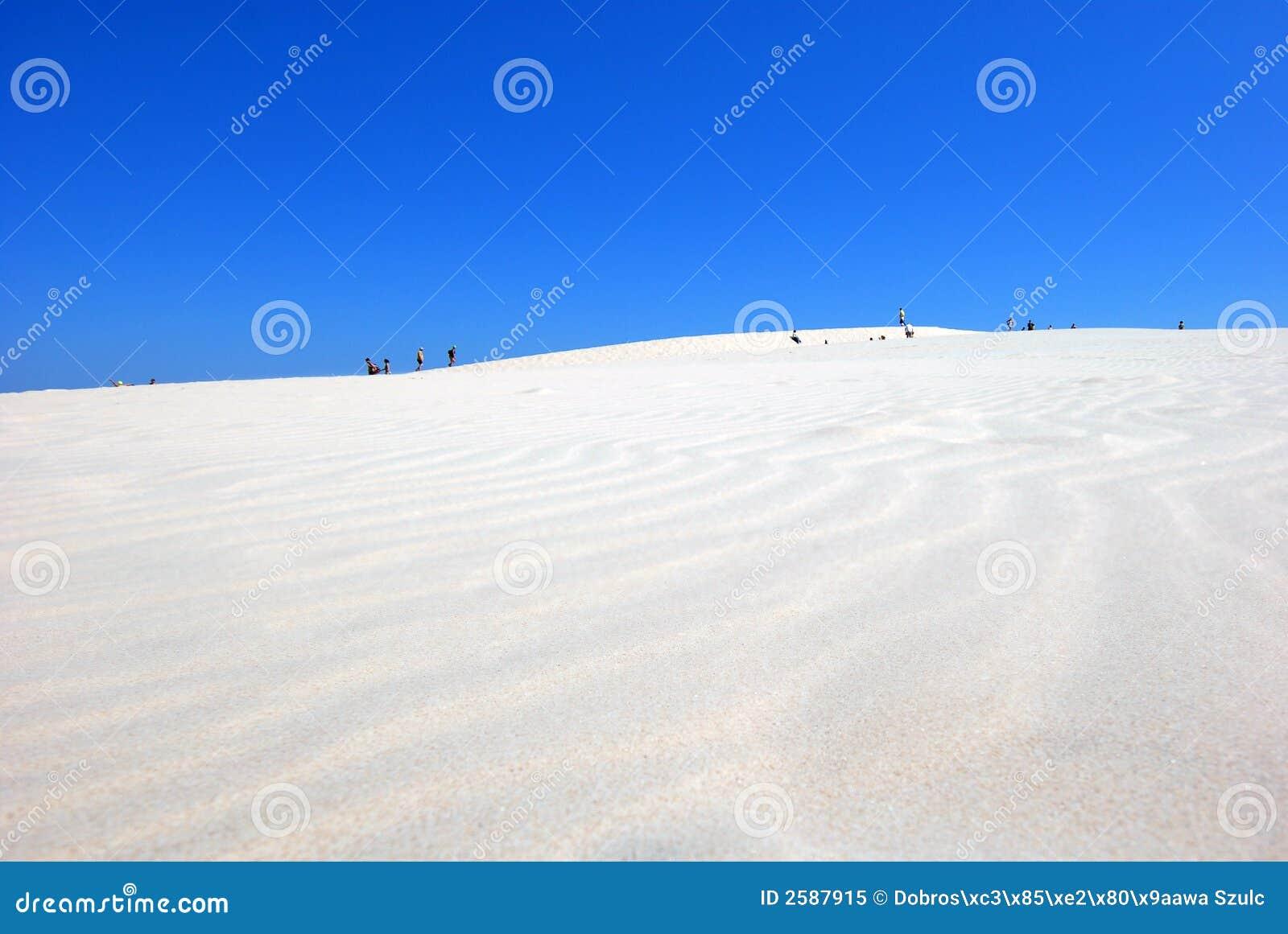 Mensen op de woestijn