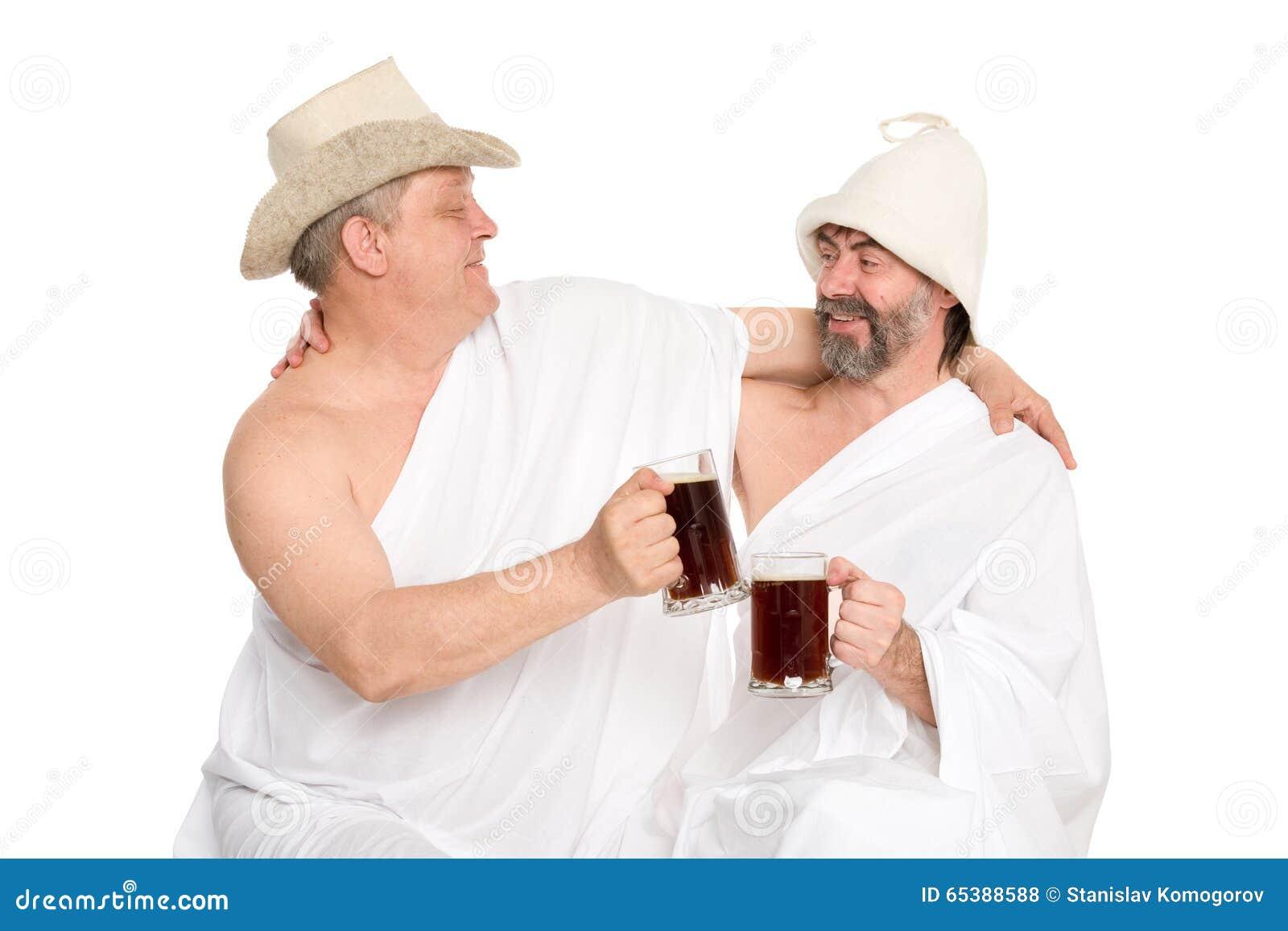 Mensen in traditionele het baden kvas van de kostuumsdrank