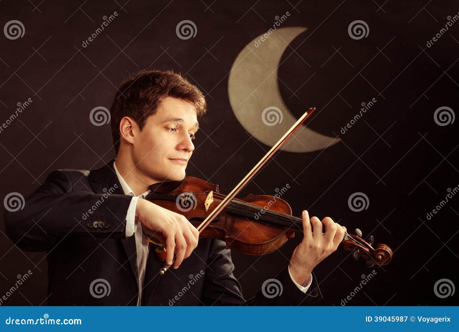 Mensenviolist het spelen viool. Klassiek muziekart.