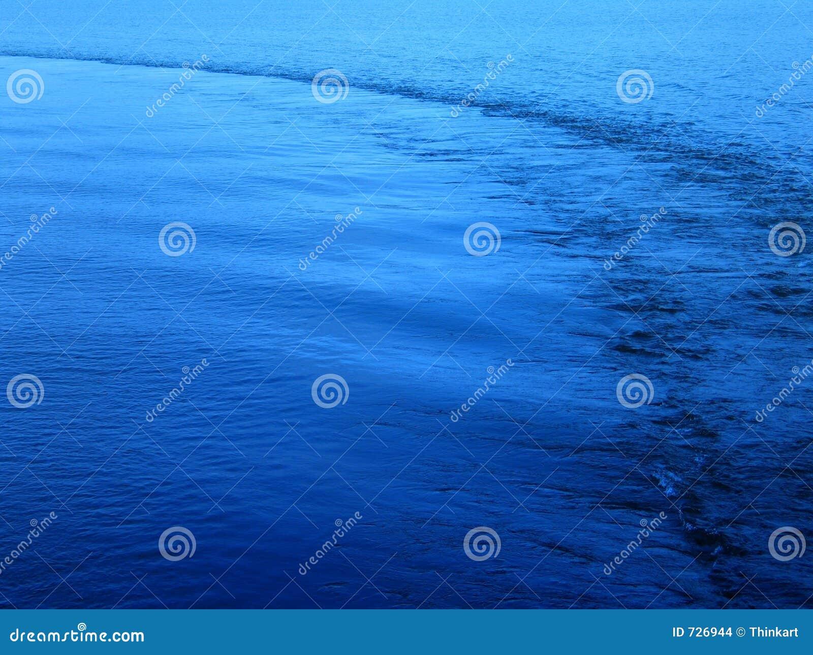 Mer calme - avec un journal de bateau.