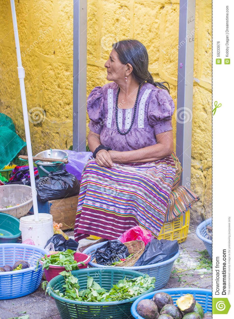 Download Mercado De Chichicastenango Foto editorial - Imagen de aldea, hispanico: 59233976