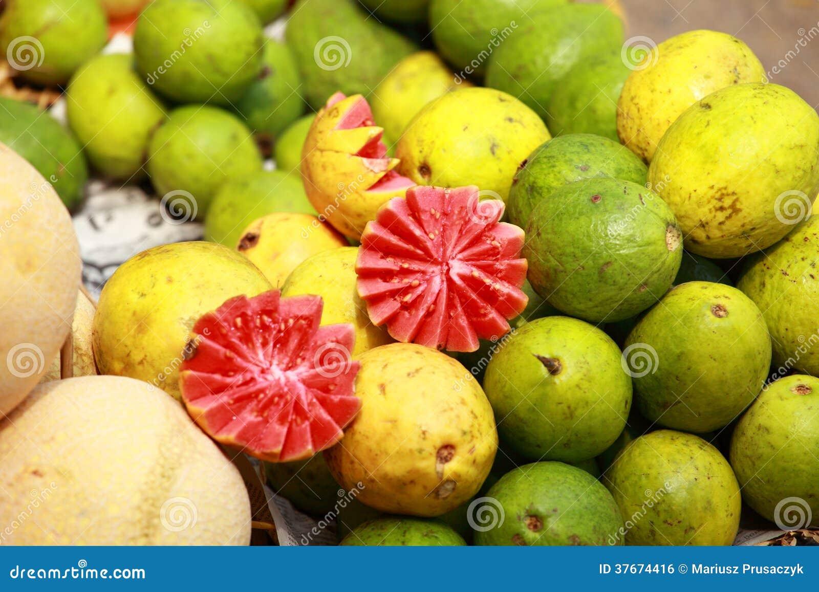 Mercado de la fruta fresca en la India
