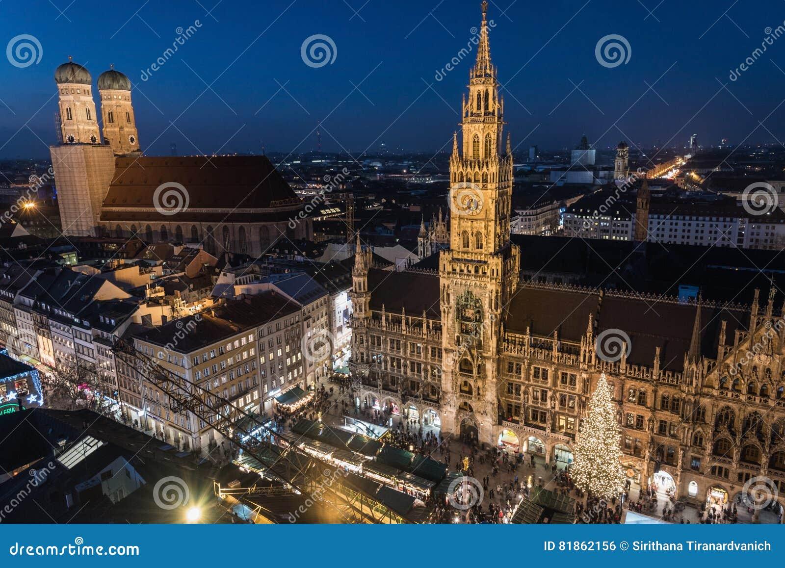 Mercado de la navidad en marienplatz munich alemania - Navidades en alemania ...